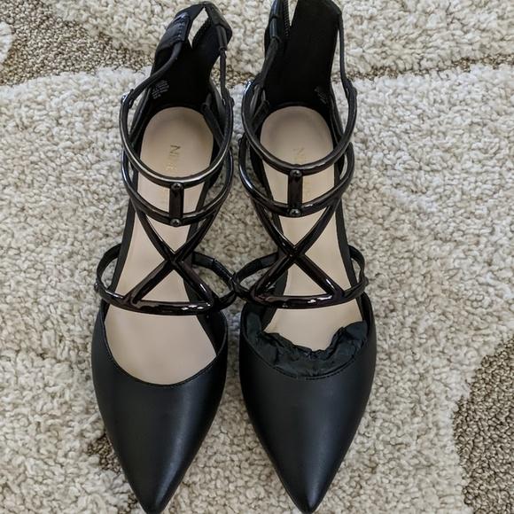 Nine West Women Black Flat Pointed Toe